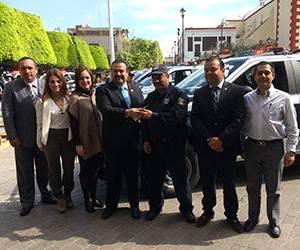 Entrega el Alcalde 8 nuevas patrullas