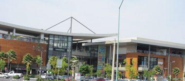 Suben ventas en centros comerciales y outlets