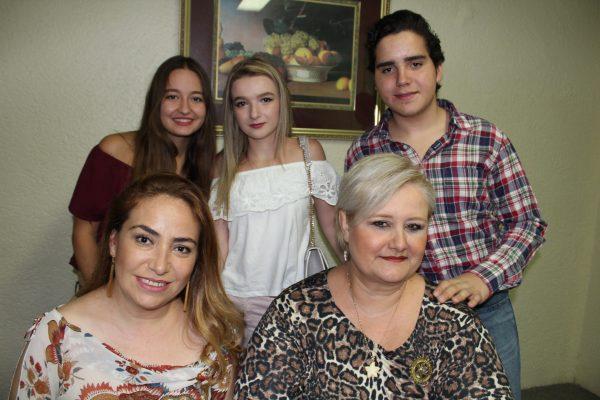 Comparte experiencias Jóvenes de intercambio