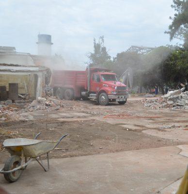Demuelen La Martinica; ignoran qué construirán