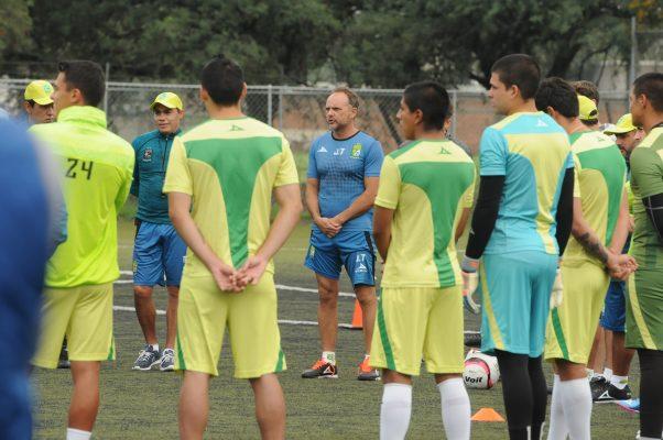 Crece la lista de lesionados; Osvaldo Rodríguez no pudo entrenar al parejo este jueves