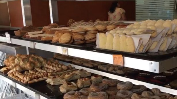 Aumentan lluvias venta de pan