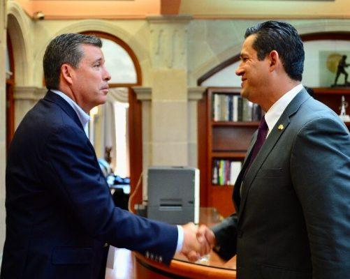 Acepta gobernador renuncia de Sinhué