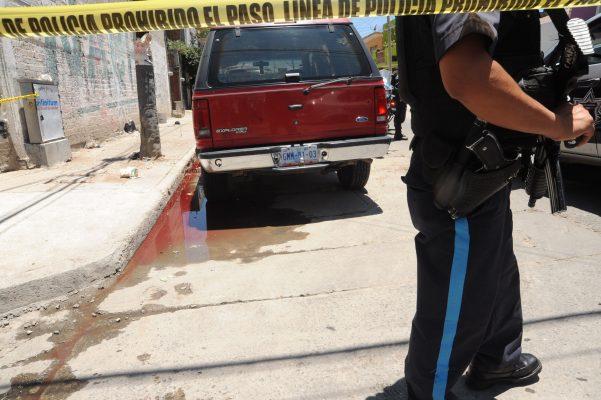 Investigan si bala que mató a pandillero, es de policía