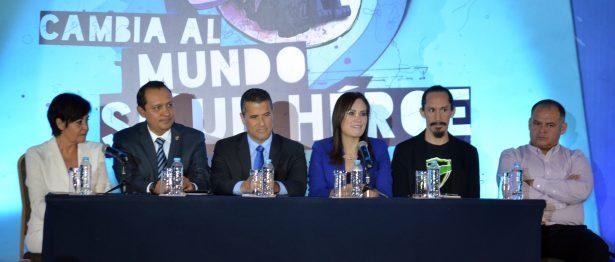 Marco Antonio Regil, invita a ser buenos mexicanos y héroes