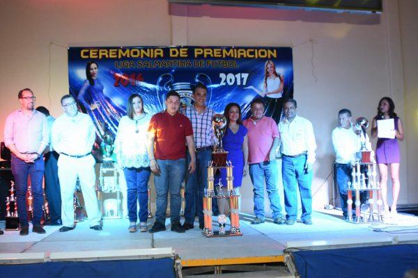 Reconocen a sus campeones; realizan premiación de lo mejor de la Liga Salmantina de Futbol