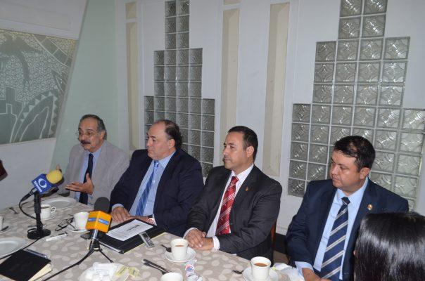 Ofrecen abogados apoyo de expertos en área penal