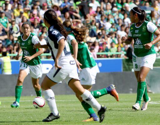 Una Fiera sin puntería ; más de 4 mil 500 aficionados presenciaron el debut del León Femenil
