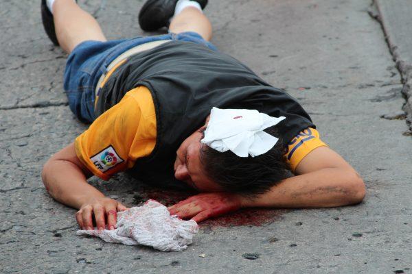 Lesionados esperan por ambulancia; nunca llegó