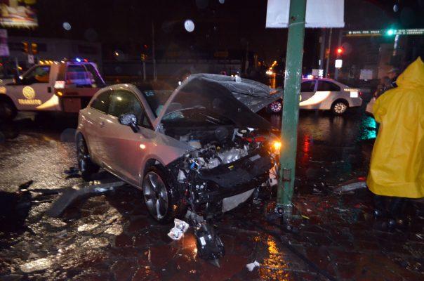 Exceso de velocidad y lluvia provocan accidente en San Miguel