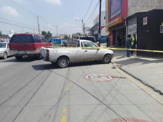 Hombre es baleado en intento de asalto en la colonia Azteca