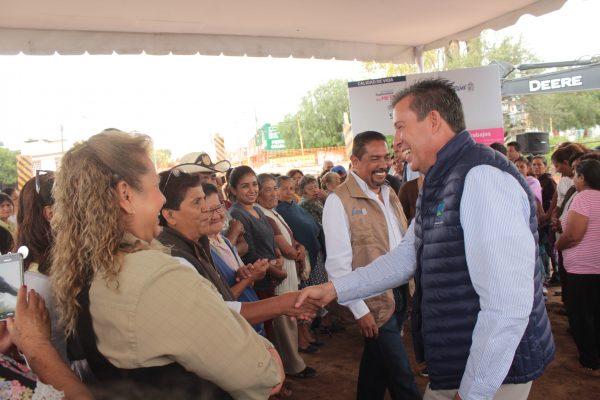 Gobernador y Alcalde supervisan obras de parque lineal El Ejido