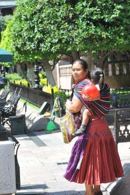 Dan a conocer a mujeres indígenas sus derechos