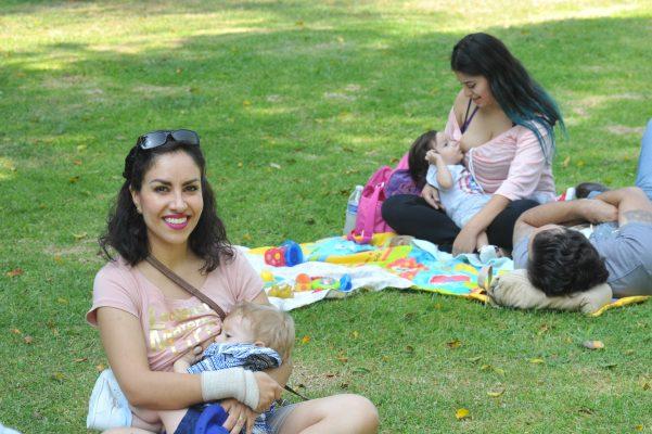 Promueven mamás la lactancia materna en León
