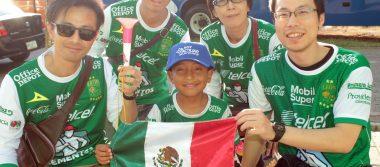Un grito de 100 ¡Viva León! En el estadio Nou Camp