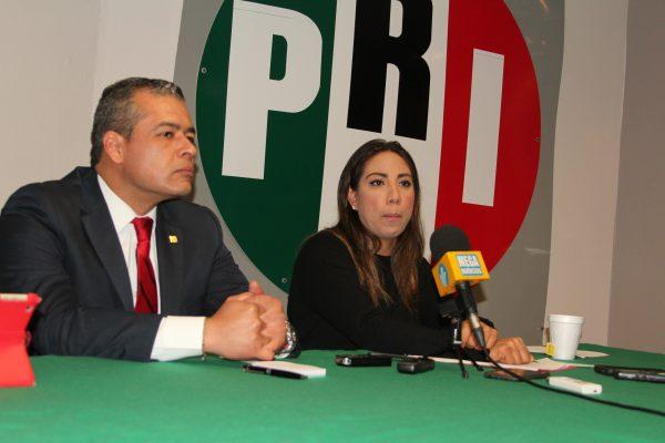 """PRI denuncia """"madruguete"""" para abrir más gasolineras"""