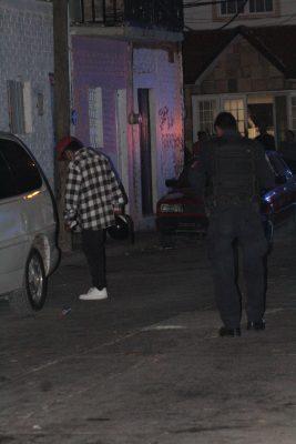 Muere hombre y otro sobrevive tras agresión a balazos en La Brisa
