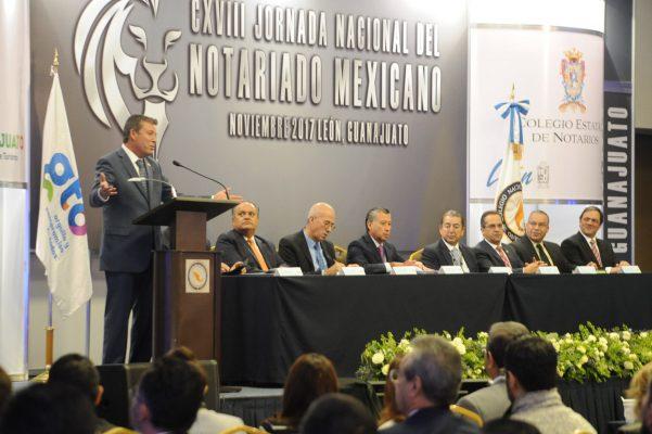 Ratifica Gobernador importancia del Notariado Mexicano