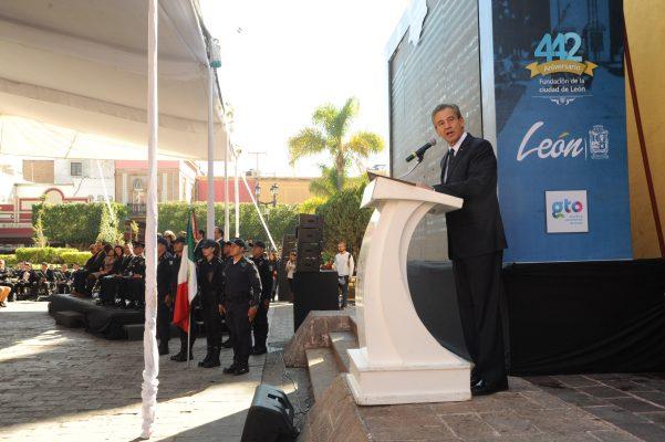 Leoneses siempre se levantan sin importar adversidades: López Santillana