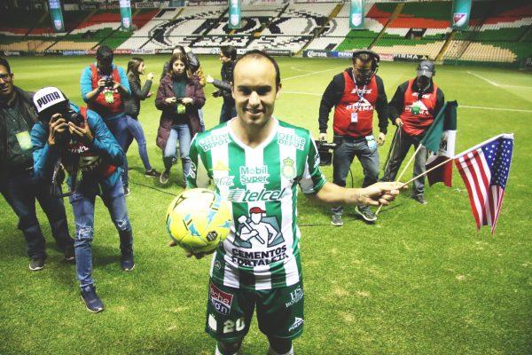 El histórico goleador Landon Donovan viene a alzar títulos con León