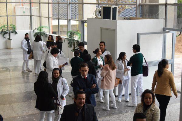 Bajo control del sindicato, reclutamiento de personal en el Hospital Regional del IMSS