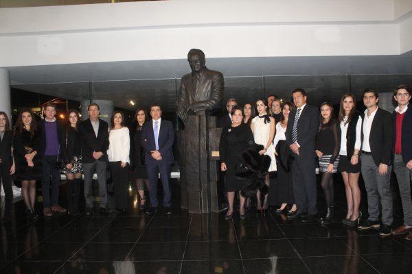 Rinden homenaje a don Roberto Plasencia Saldaña