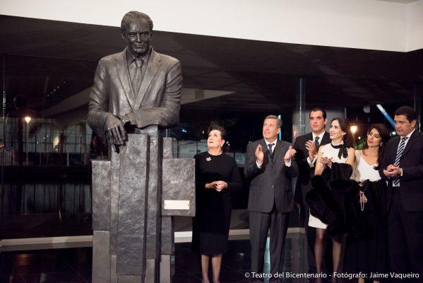 Viven primer concierto sinfónico en Teatro Bicentenario Roberto Plasencia Saldaña