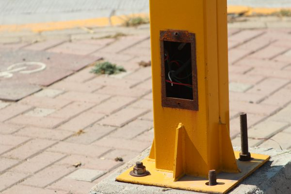 """Pillan"" a joven robando cableado de un semáforo en La Moreña"