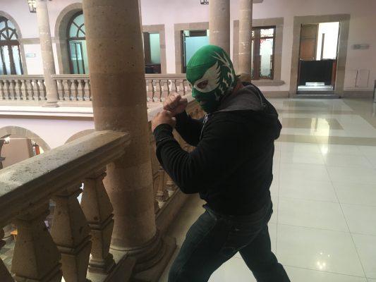 Bobby Lee; quiere rescatar el deporte de la Lucha Libre en la ciudad