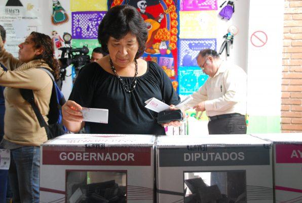 Disminuye confianza en autoridades electorales