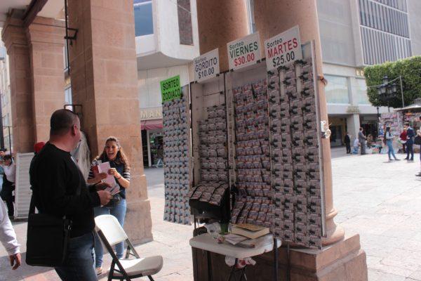 Bajan las ventas de la Lotería Nacional