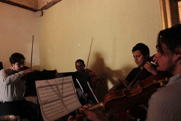 Un cuarteto de cuerdas que lleva música a la periferia: Cuévano