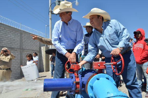 Entrega Alcalde obras hidráulicas en polo rural