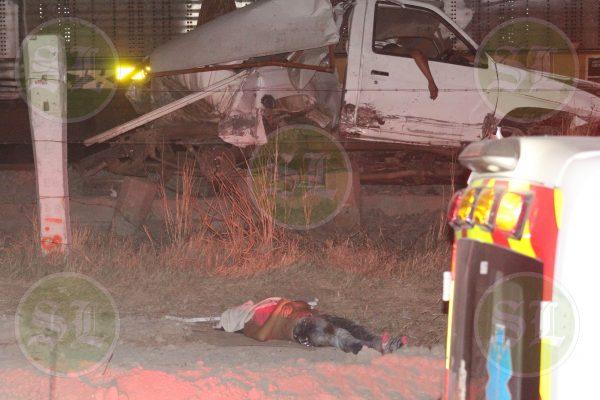 Choque contra tren deja tres muertos