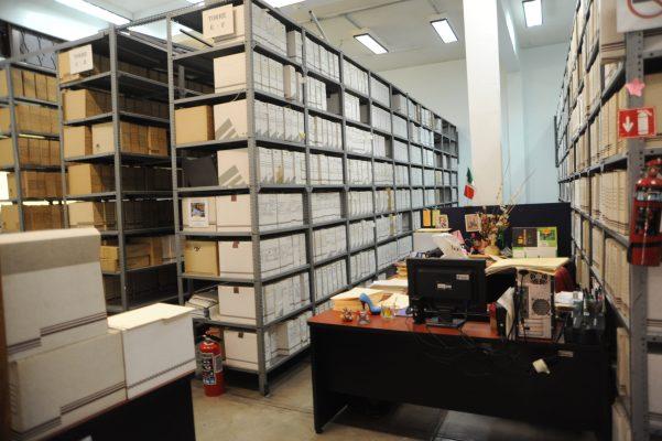 Proyectan digitalizar Archivo Histórico de León