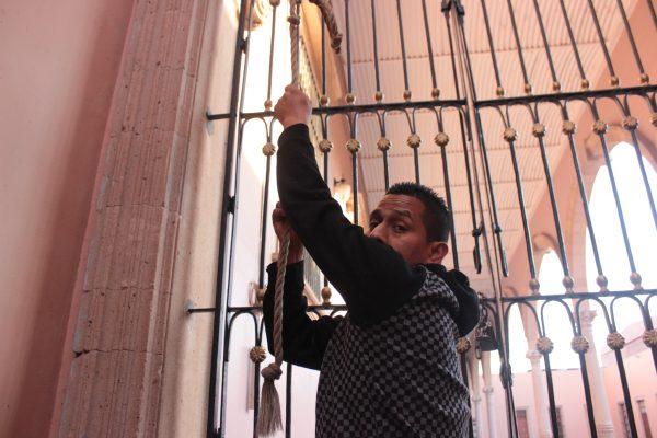 José Loreto hace cantar a las campanas de catedral
