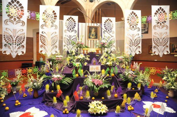 Preparan altares del Viernes de Dolores