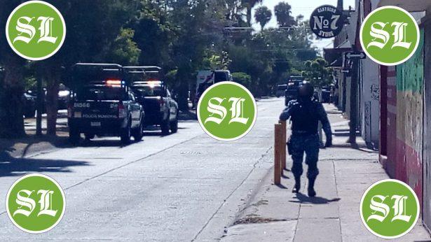 Hombre acciona arma contra policías en Real Providencia