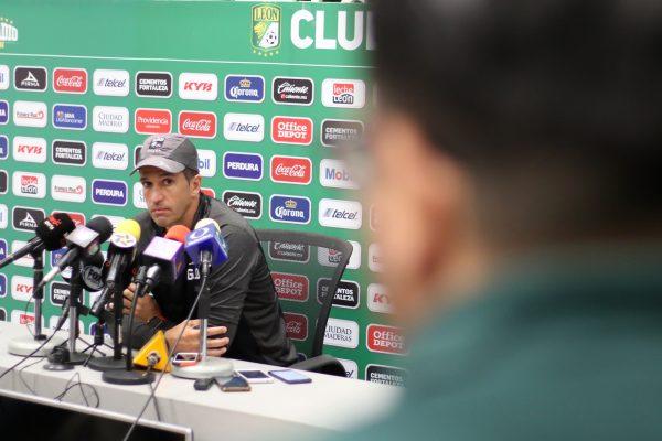 León inició la semana con un entrenamiento sin acceso a medios de comunicación