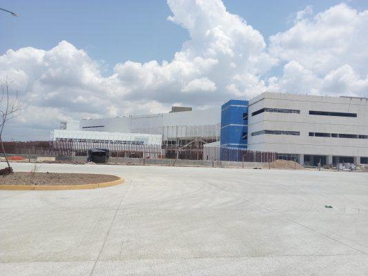 Entregan acceso a nuevo Hospital