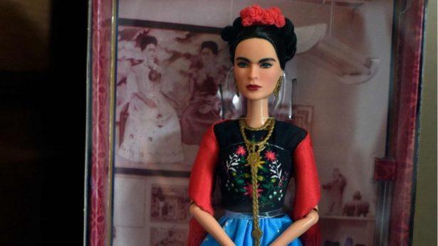 Retiran muñeca de Frida