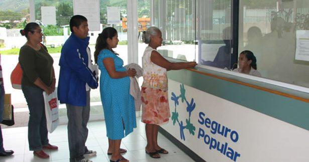 Llaman a renovar póliza de Seguro Popular