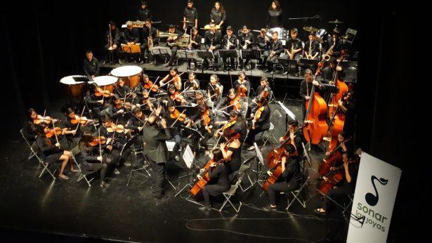 Transforman niños su vida en orquestas