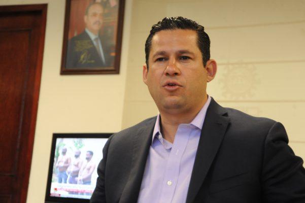 Sigue Diego Sinhué Rodríguez Vallejo sin confirmar su presencia en el debate del CCEL