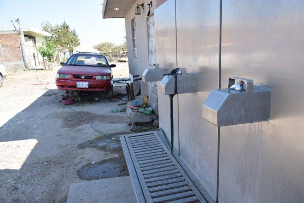 Hacen personal toma pública de agua