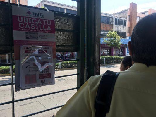 El INE ofrece asesoría sobre las próximas elecciones en las 'jaulas' de las orugas