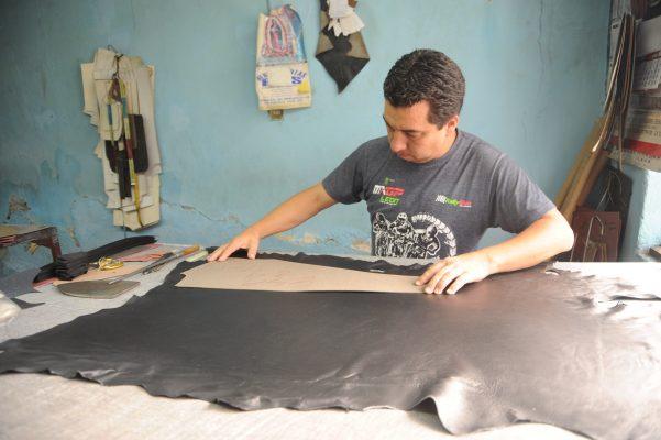 Las chamarras de piel, una industria que se acaba en León
