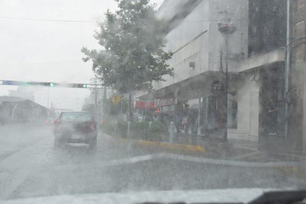 Continuarán lluvias fuertes