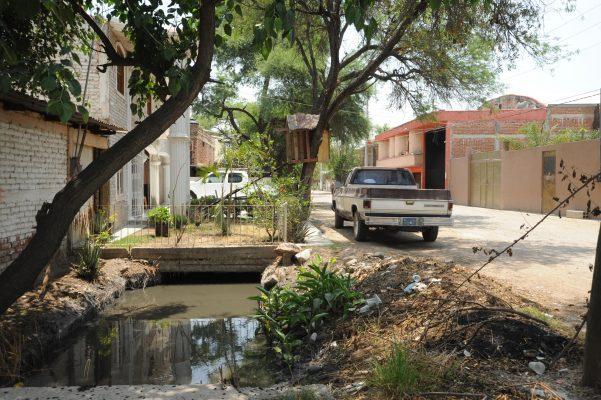 Crecientes pluviales amenazan a 300 familias