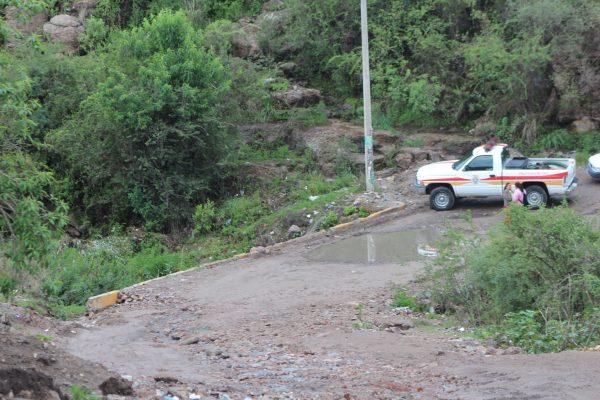 Lluvias complican camino de Barranca de Venaderos